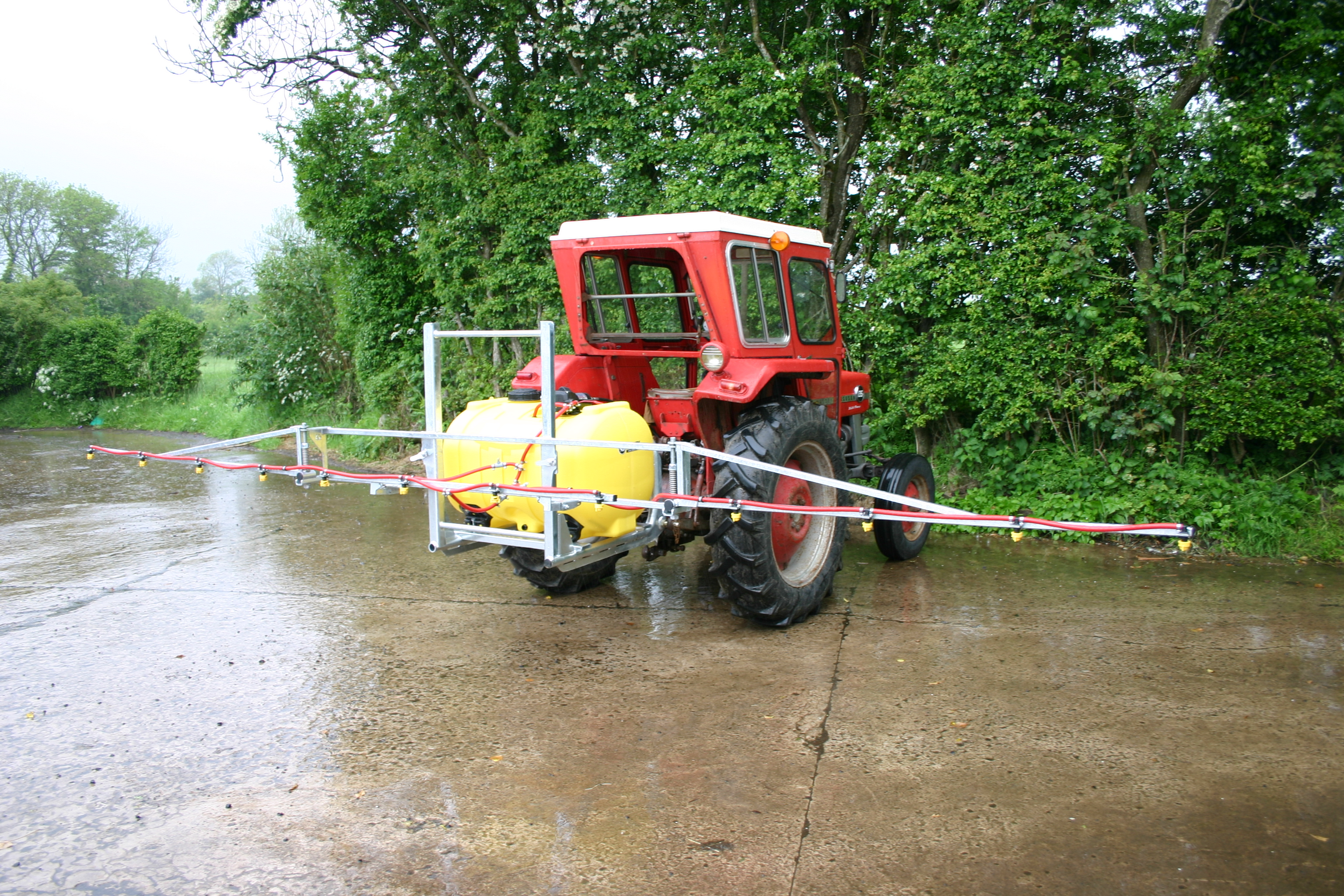 Boom Sprayers For Tractors : Tractor sprayers made in uk ireland for effective weed control