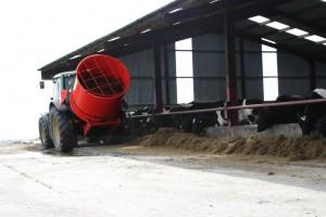 Bale shredder- Feeding